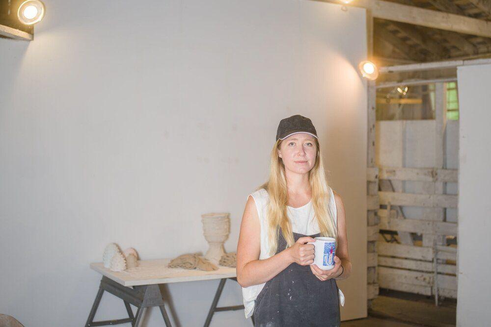 (قسمت ۲) یازده هنرمند معاصر راهبردهایی برای بیشترین استفاده از فرصتِ کار از خانه ارائه میکنند: ژِن دوئایِر (Jen Dwyer)
